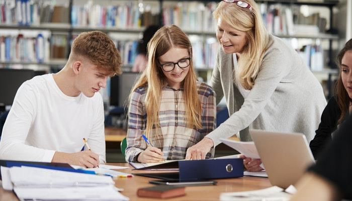Etudes à l'université ou cours de langue à l'étranger sur mesure